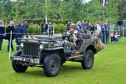 Military Vehicle Lap of Honour at Stirling Armed Forces Day 2015